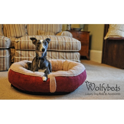 winterberry fleece luxury dog bed medium wolfybeds. Black Bedroom Furniture Sets. Home Design Ideas